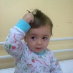 Aurela zur Chemotherapie im Krankenhaus Prishtina