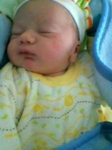 Aurelas neugeborener kleiner Bruder